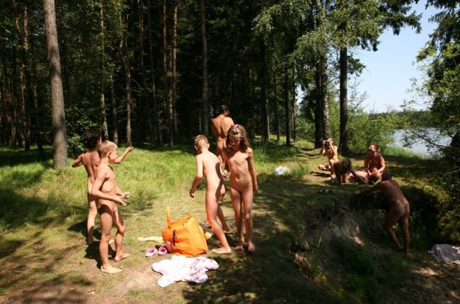Naked family nudists in the woods - beautiful photo   Russianbare